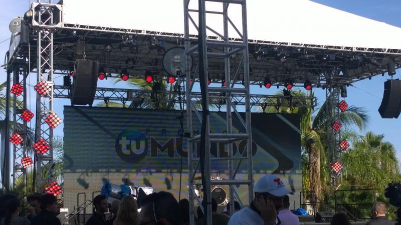 On the Set of Premios Tu Mundo
